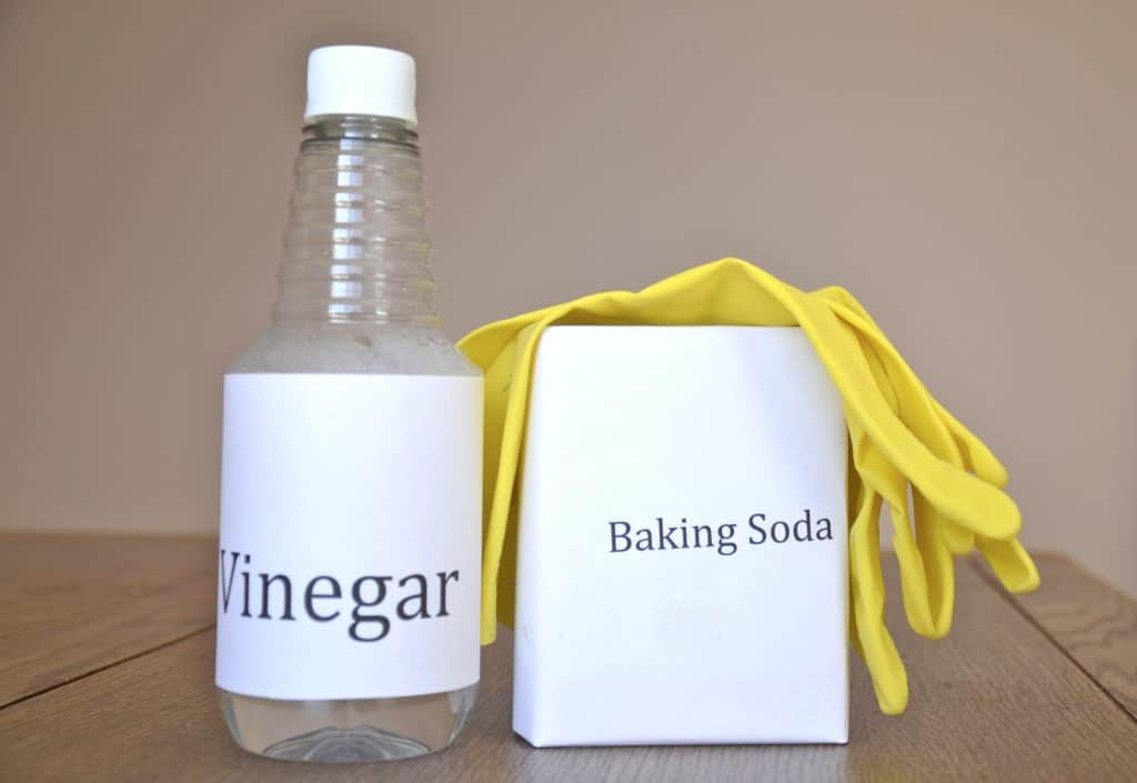 vinegar and baking soda to remove polyurethane